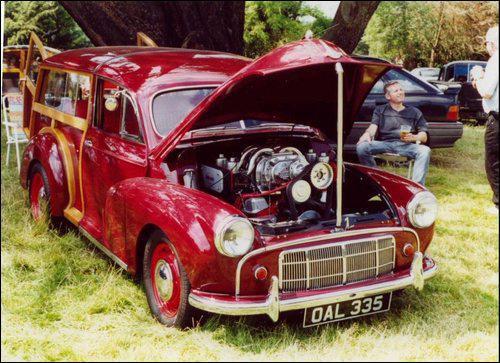 1953_Morris_Minor_Traveller_Cranberry_Red_Gary_Bezer_000.jpg